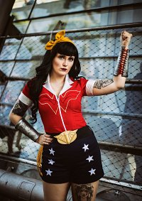 Cosplay-Cover: Wonder Woman / Bombshell