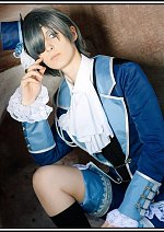 Cosplay-Cover: Ciel Phantomhive (Blue Roses)