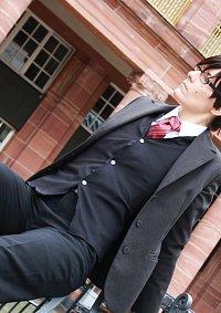 Cosplay-Cover: Okumura Yukio (suit)