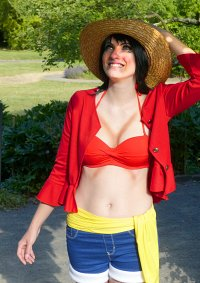 Cosplay-Cover: Monkey D. Luffy (Female - Timeskip Version)