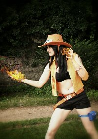 Cosplay-Cover: Portgas D. Ace (female)