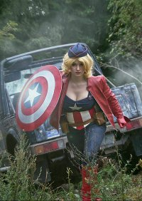 Cosplay-Cover: Lady Captain America