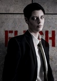 Cosplay-Cover: Simon Monroe [Suit Version]