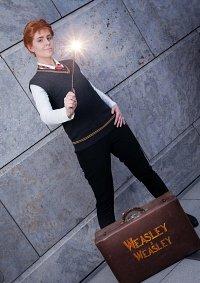 Cosplay-Cover: Fred Weasley [ Hogwards Uniform / Basic ]