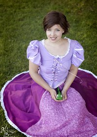 Cosplay-Cover: Rapunzel (short hair)