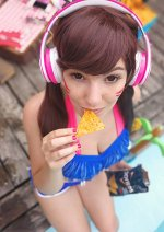 Cosplay-Cover: D.VA (Pool Party)