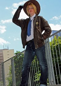 Cosplay-Cover: Alfred F. Jones ▪ Police [Sheriff]