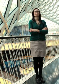 Cosplay-Cover: Dr. Amy Farrah Fowler