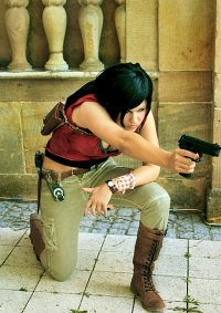 Cosplay-Cover: Chloe Frazer [Uncharted 2: Among Thieves]