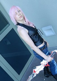 Cosplay-Cover: Lightning [Aya Brea]