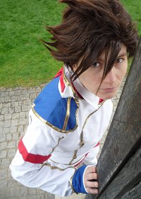 Cosplay-Cover: Lloyd Irving (Formal outfit)