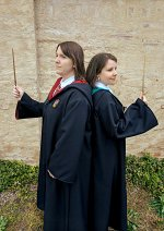 Cosplay-Cover: Gryffindor-Schülerin