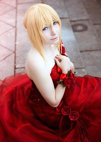 Cosplay-Cover: Christa Lenz [Red Gown]