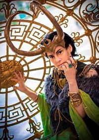Cosplay-Cover: Loki Laufeyson [Consort AU by Nanihoo]