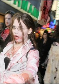Cosplay-Cover: Office Zombie