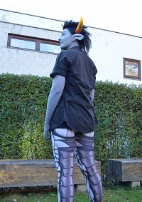 Cosplay-Cover: Tavros Nitram with robot legs (♉)