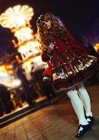 Cosplay-Cover: Weihnachts-Lolita Outfit