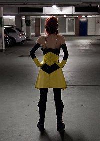 Cosplay-Cover: Janet van Dyne / Wasp (Earth's Mightiest Heroes)
