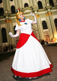 Cosplay-Cover: Princess Peach ~ ♥[Feuer Version]♥