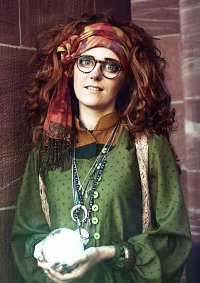 Cosplay-Cover: Prof. Sybill Trelawney