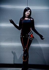 Cosplay-Cover: Miranda Lawson [Black Suit]