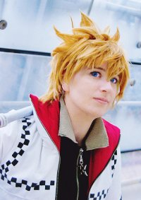 Cosplay-Cover: Roxas (Twilight Town Vers.) [ロクサス]