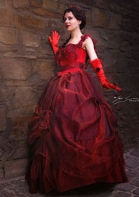 Cosplay-Cover: Sarah Chagal(Ballkleid)