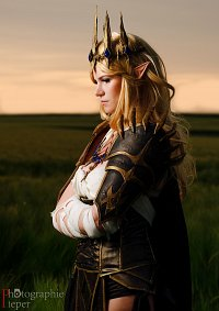 Cosplay-Cover: Valindra Shadowmantle