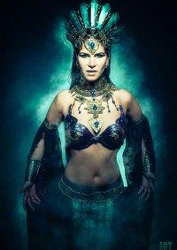 Cosplay-Cover: Akasha (Königin der Verdammten)