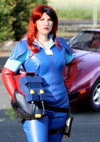 Cosplay-Cover: Vanessa Warfield