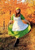 Cosplay-Cover: Elizaveta Héderváry/Hungary (grünes Kleid)