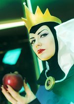 Cosplay-Cover: Evil Queen [Remake]