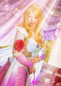Cosplay-Cover: Aurora [Couture de Force]