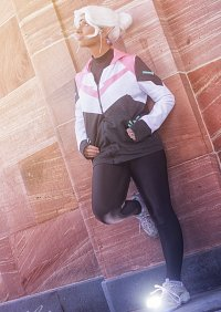Cosplay-Cover: Allura [Kitty Hoodie]