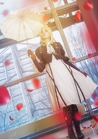 Cosplay-Cover: Violet Evergarden (AMD Version)