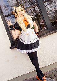 Cosplay-Cover: SeeU (Maid Dress)