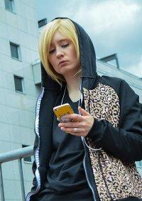 Cosplay-Cover: Yuri Plisetsky (Leo Jacket)