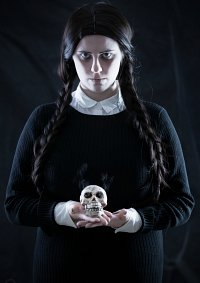 Cosplay-Cover: Wednesday Friday Addams