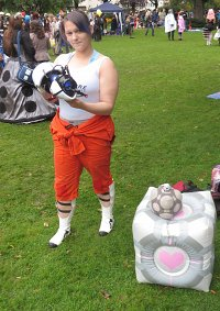 Cosplay-Cover: Chell Johnson (P2)