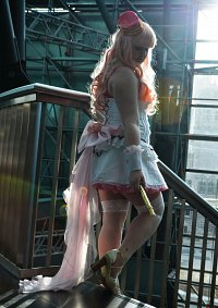 Cosplay-Cover: Sheryl Nome [White Cover]