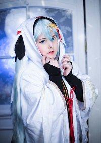 Cosplay-Cover: Miku Hatsune [Crane priestess]