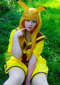 Cosplay-Cover: Pikachu [Gijinka-Schooluniform]