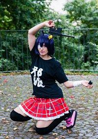 Cosplay-Cover: Rikka Takanashi 『Club T-Shirt』