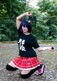 Cosplay-Cover: Rikka Takanashi 『Club T-Shirt』