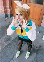 Cosplay-Cover: Kagamine Rin [Juvenile]
