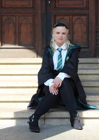 Cosplay-Cover: Young Narcissa (uniform)