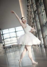 Cosplay-Cover: Odette / White Swan [Black Swan]