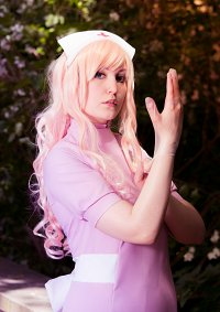 Cosplay-Cover: Sheryl Nome (Nurse)