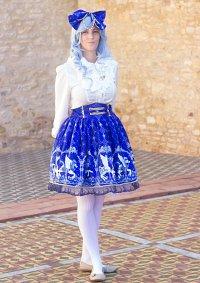 Cosplay-Cover: Hitome als Lolita in Blau