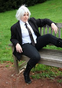 Cosplay-Cover: Bishop ~ Anzugsversion [Clock Zero]